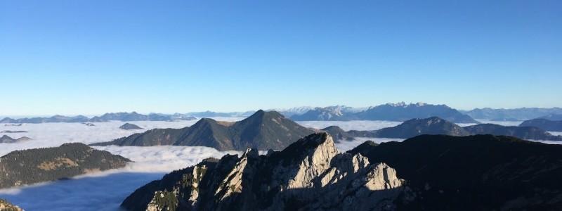 nachhaltiges reisen in deutschland in die natur in den bergen am wasser ueber den wolken