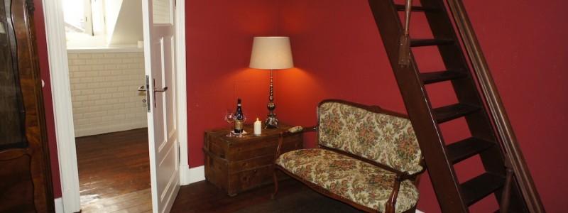 koeln weiss staedtereise urlaub in deutschland nachhaltige unterkunft boutique hotel ferienwohnung antik vintage cafe patisserie backsteinhaus hochzeitssuite