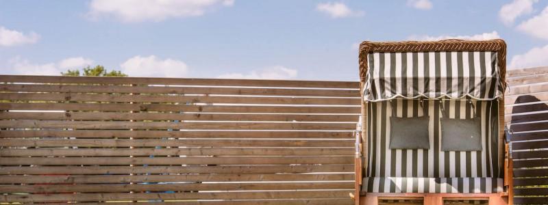 kammer illerbeuren allgaeu nachhaltiger urlaub mit kind in deutschland in bayern mit dem rad auf dem land im gruenen strandkorb picknick