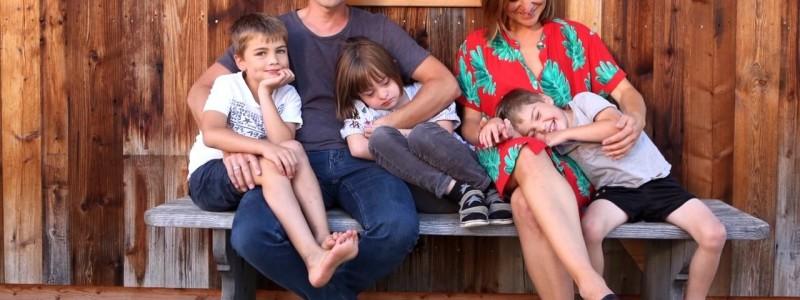 nachhaltige unterkuenfte in deutschland urlaub in der natur auf dem land mit kindern in den bergen mit der familie bayern voralpenland gutshof achatswies ferienwohnung familie graf mit den kindern