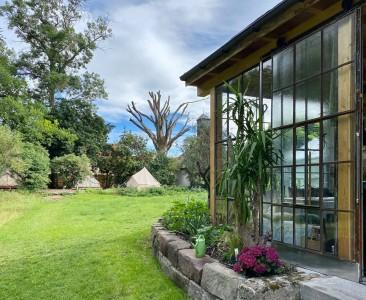 steigerwald franken into the green eco resort glamping zelte yoga retreat urlaub in der natur biologischer gemueseanbau tiere nachhaltiger tourismus glashaus