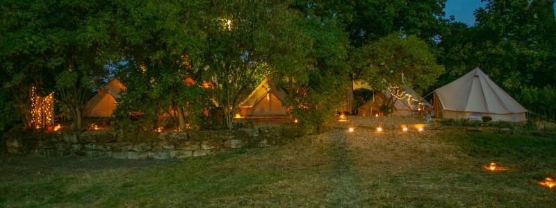 steigerwald franken into the green eco resort glamping zelte yoga retreat urlaub in der natur biologischer gemueseanbau tiere nachhaltiger tourismus glampingzelte bei nacht