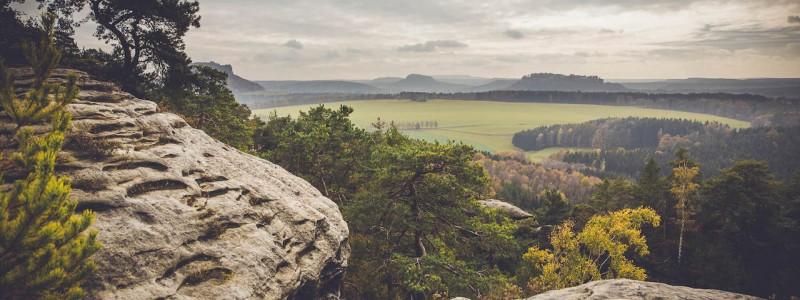 umgebinde 1657 fachwerk blockhaus saechsische schweiz elbsandsteingebirge bad schandau krippen urlaub in der natur in den bergen im gruenen mit der grossfamilie mit freunden wandern elbe wasser lehmputz elbsandsteingebirge