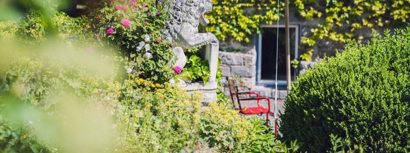 villa breitenberg bayerischer wald nachhaltige unterkunft boutiquie hotel ferienwohnung natur berge ruhe biologische kueche kultur seminare yoga retreats hochzeiten garten