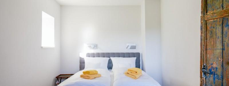 villa breitenberg bayerischer wald nachhaltige unterkunft boutiquie hotel ferienwohnung natur berge ruhe biologische kueche kultur seminare yoga retreats hochzeiten comfortzimmer rossstall