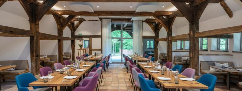 wildland natural resort hornbostel lueneburger heide suedheide niedersachsen hideaway denkmal nachhaltiges hotel gruen tagen feiern heiraten yoga retreat restaurant
